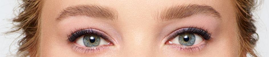 How to Do Eye Make-up to Balance a Bold Lip