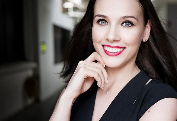 The Liza Make-up Look